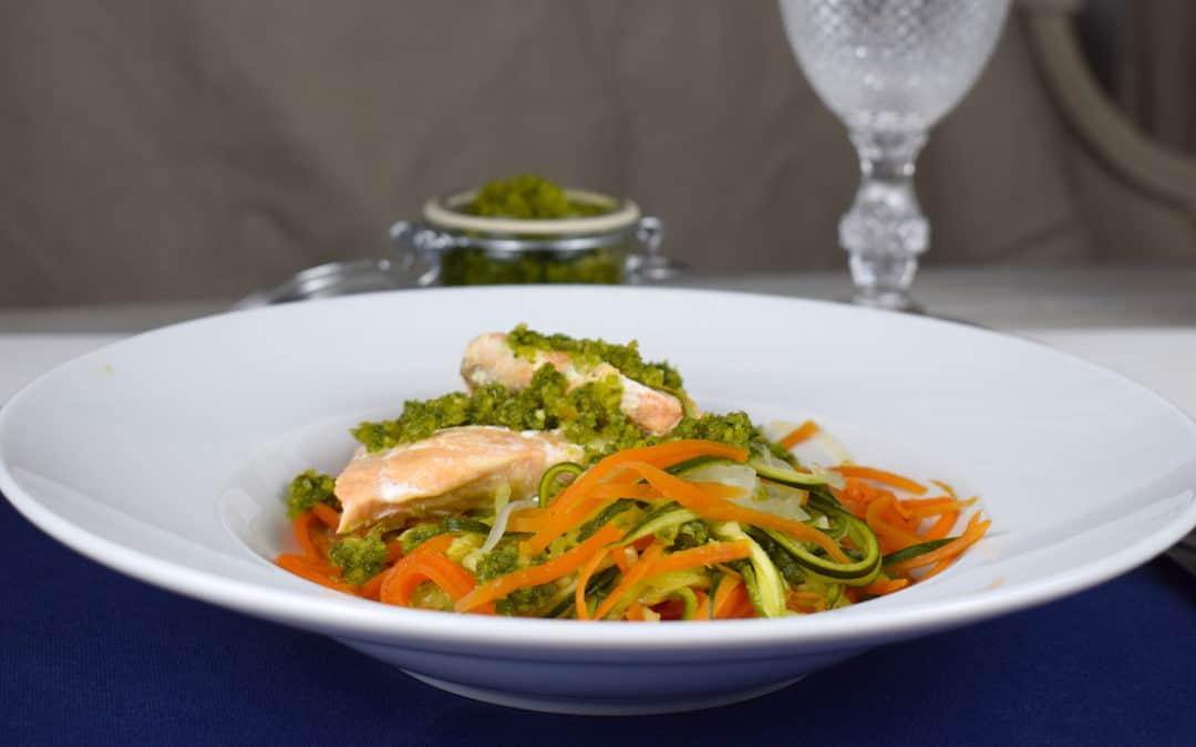 Lachs mit Gemüsespaghetti
