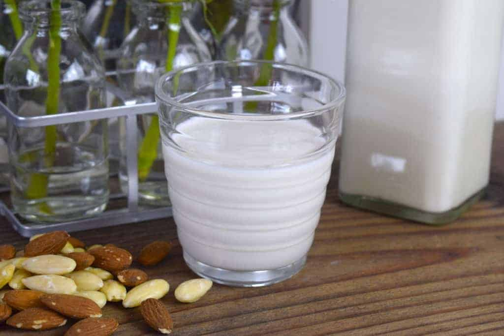 Mandelmilch aus dem Thermomix® – Foto: Nicole Stroschein