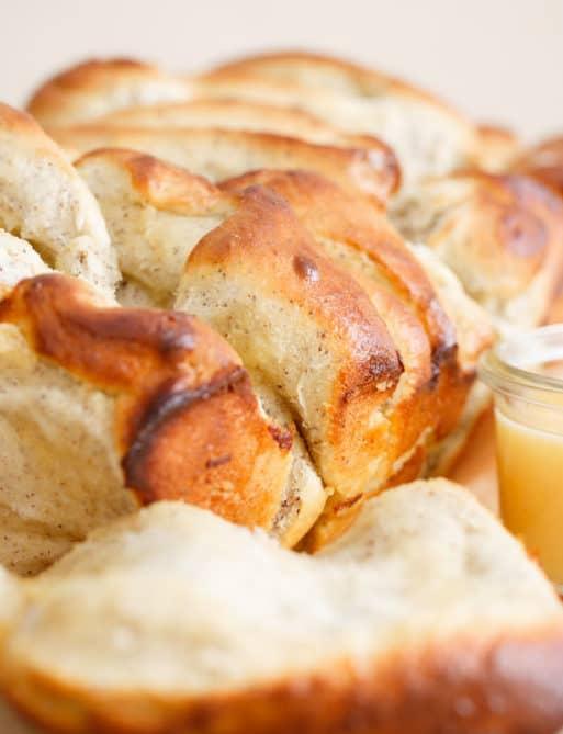 Zupfbrot mit Marzipan und Lemon Curd – Foto: Ricarda Ohligschläger