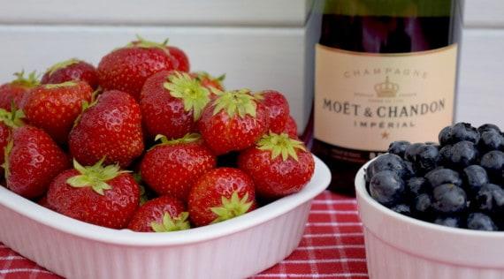 Beschwipste Erdbeermarmelade aus dem Thermomix® – Die Zutaten – Foto: Nicole Stroschein