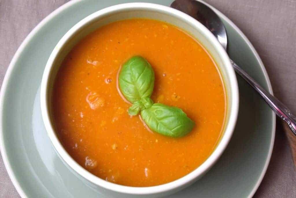 Tomatensuppe mit Kichererbsen aus dem Thermomix® – Foto: Nicole Stroschein