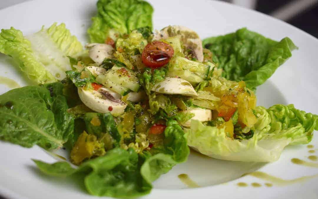 Leichter Römersalat mit Paprika