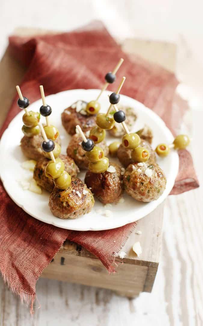 Mini-Hackbällchen mit Oliven und Käse - Foto: Nicky & Max