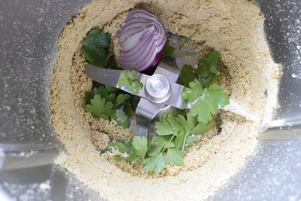 Veganer Brotaufstrich mit Cashew-Kernen aus dem Thermomix® – Foto: Nicole Stroschein