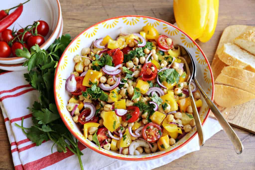 Farbenfroher Kichererbsen-Salat aus dem Thermomix® - Foto: Alexandra Panella