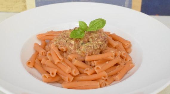 Linsen-Pasta mit Avocado-Tomaten-Pesto aus dem Thermomix® –Foto: Nicole Stroschein