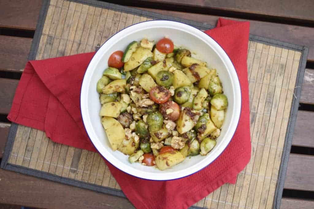Rosenkohl-Kartoffelsalat – Rezept für den Thermomix® – Foto: Nicole Stroschein