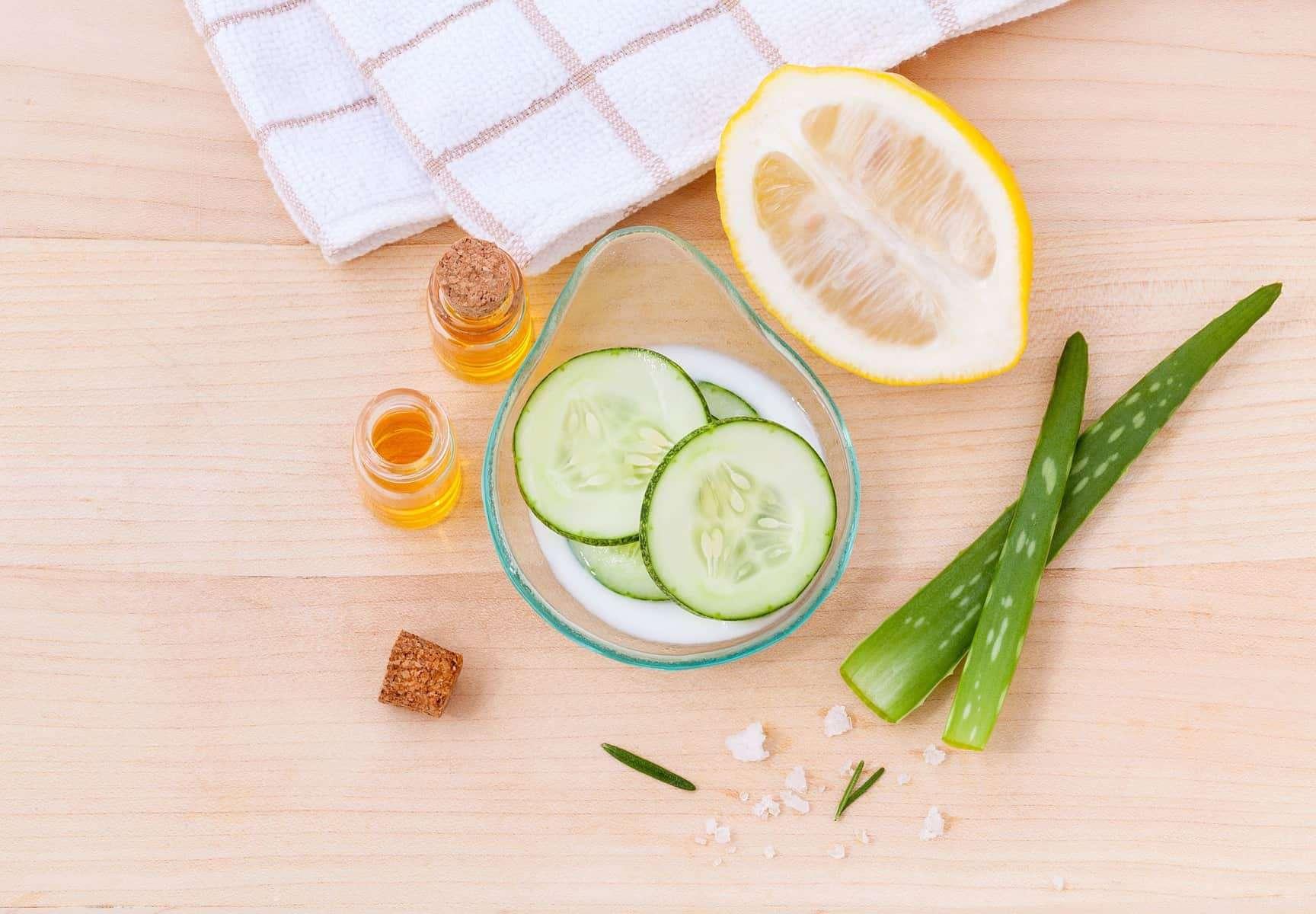 Zutaten für eine kühlende Feuchtigkeitsmaske aus dem Thermomix® – Foto: Pixabay