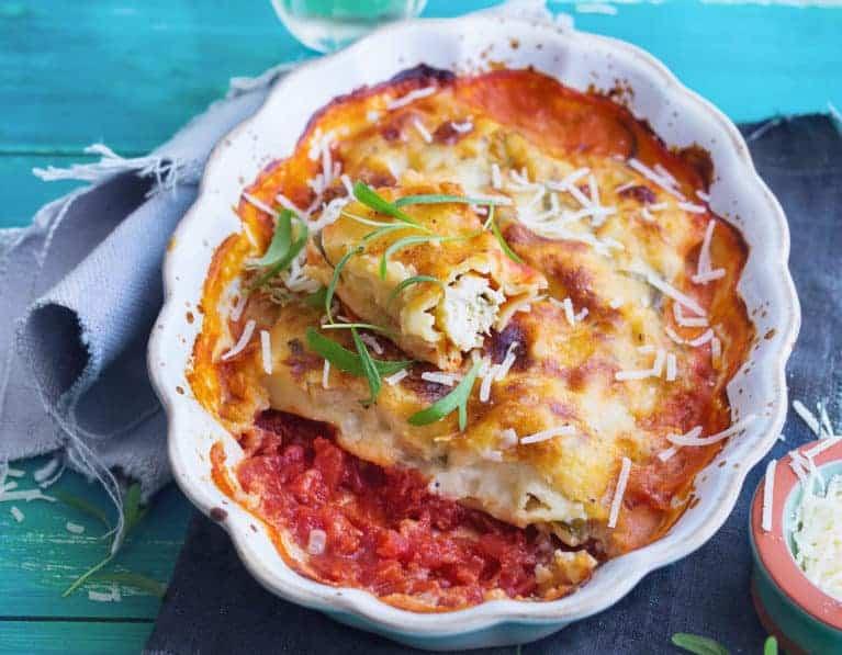 Cannelloni mit Hähnchenfüllung und Weißweinsoße