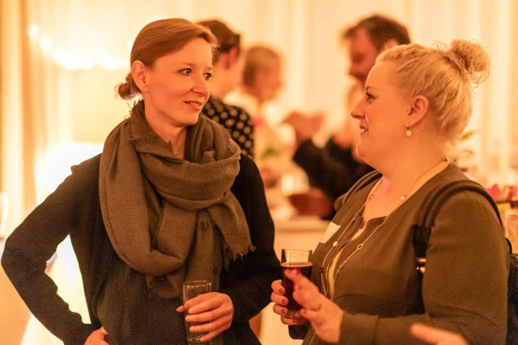 Mein ZauberTopf-Club Presse-Event: mein ZauberTopf-Chefredakteurin Vivien Koitka und Veronique von Keksstaub –Foto: David Schmitz