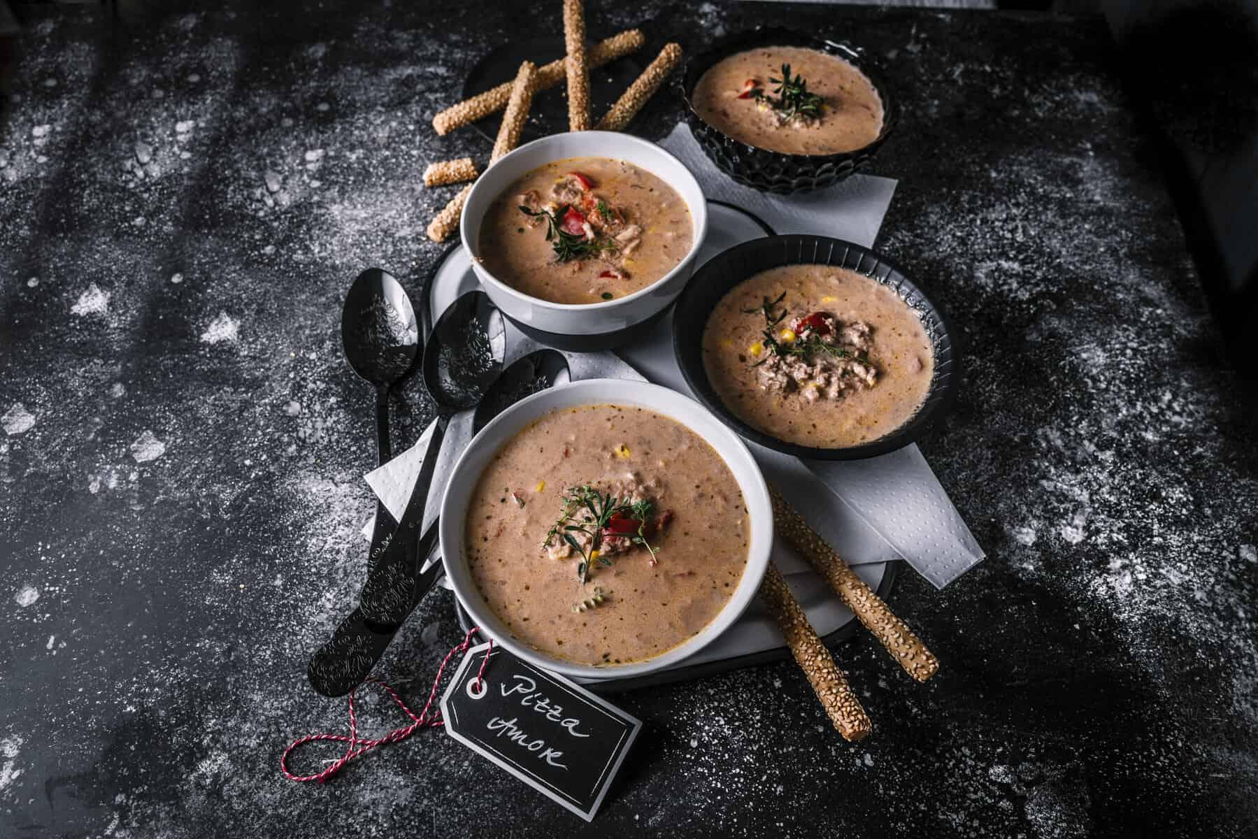 Pizza-Suppe aus dem Thermomix® –Foto: Tina Bumann