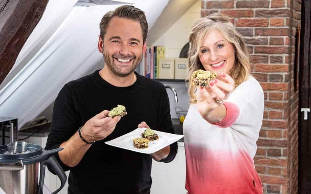 Dennis Wilms und Ann-Katrin Schröder essen Brainfood - Foto: Kathrin Knoll