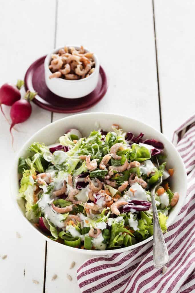 Gemischter Blattsalat mit Nordseekrabben - Foto: Anna Gieseler –Wintersalate, Rotkohlsalat, mein ZauberTopf-Club