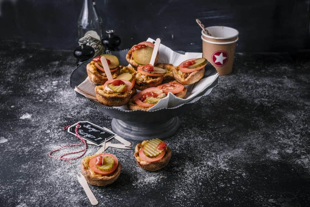 Burger-Muffins aus mein ZauberTopf, Ausgabe 2-2019 – Foto: Tina Bumann