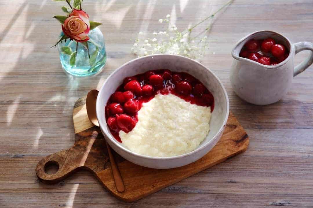 Klassischer Milchreis mit heißen Kirschen aus dem Thermomix® – Foto: Alexandra Panella