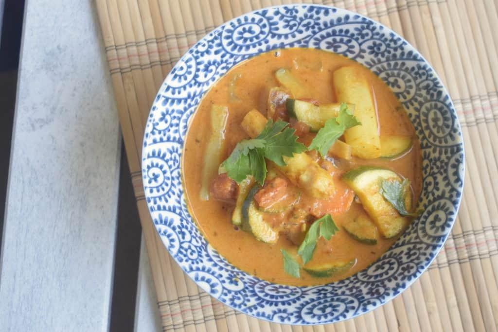 Gemüsecurry mit Spargel – Foto: Nicole Stroschein