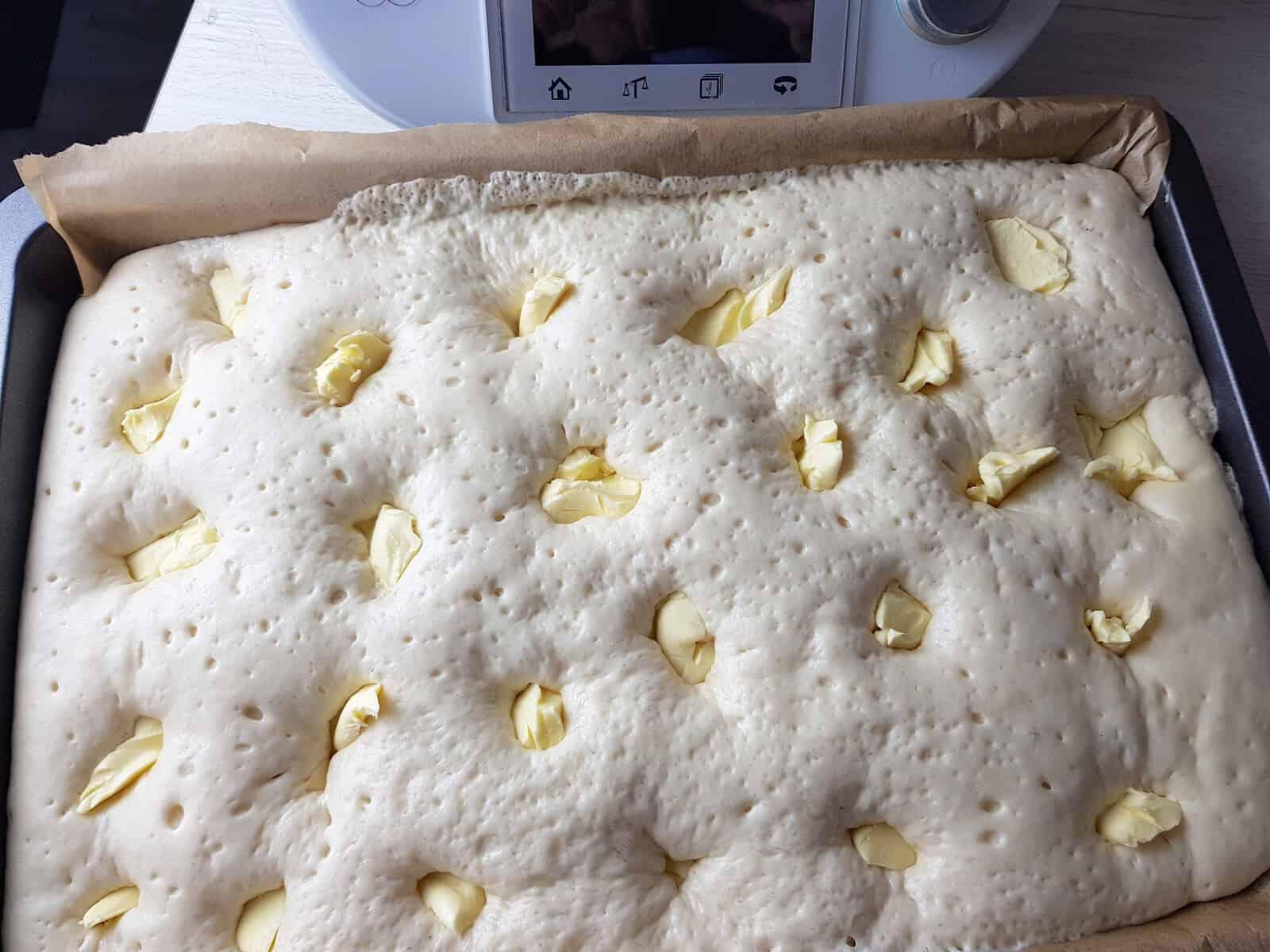 Butterkuchen mit Hefeteig – Foto: Nicole Stroschein