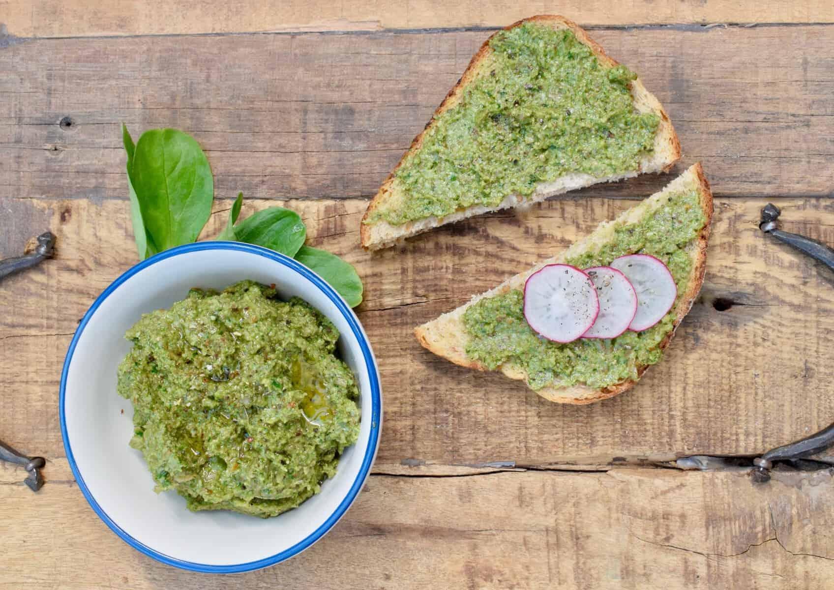 Veganes Pesto mit Feldsalat – Foto: Nicole Stroschein