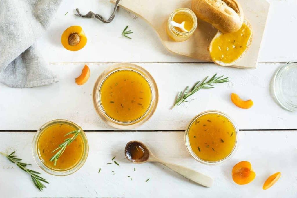 Aprikosen-Konfitüre mit Rosmarin aus dem Thermomix® – Foto: Kathrin Knoll