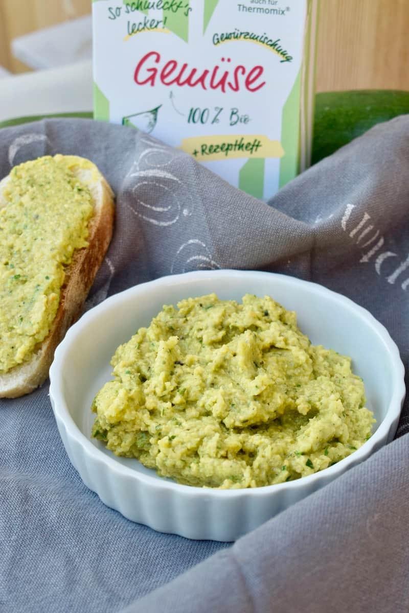 Zucchini-Aufstrich mit dem Thermomix® – Foto: Nicole Stroschein