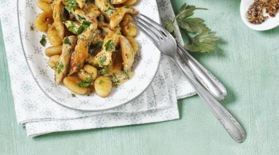 Senfhähnchen mit gebratenen Gnocchi aus dem Thermomix® – Foto: Frauke Antholz