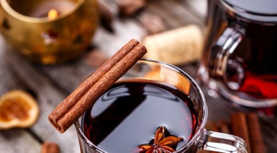 Glühwein mit Amaretto aus dem Thermomix® –Foto: Shutterstock.com/grafvision