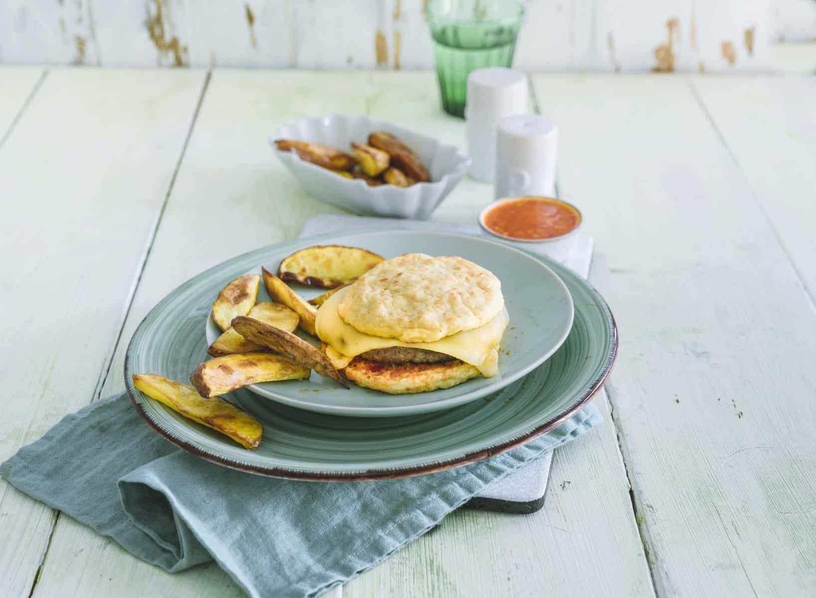 Low-Carb-Burger mit Salsa aus dem Thermomix® –Foto: Tina Bumann