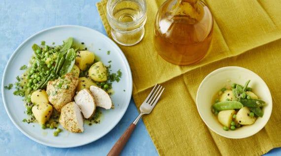 Lauwarmer Kartoffelsalat mit Curry-Hähnchen –Foto: Jorma Gottwald