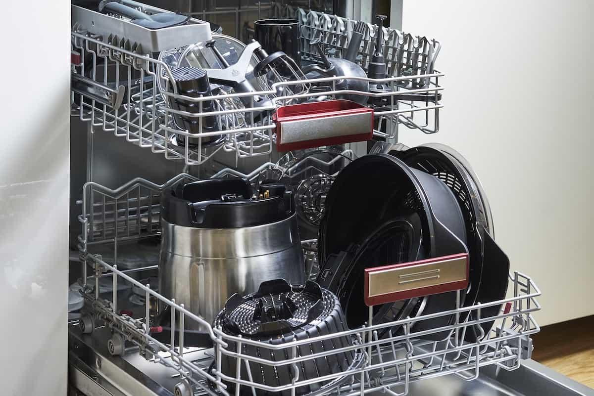 Bosch Cookit Topf und das Zubehör in der Spülmaschine – Foto: PR