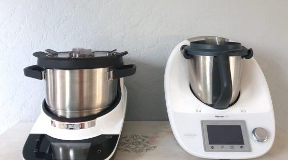 Der Bosch Cookit und der Thermomix® nebeneinander – Foto: Nicole Stroschein