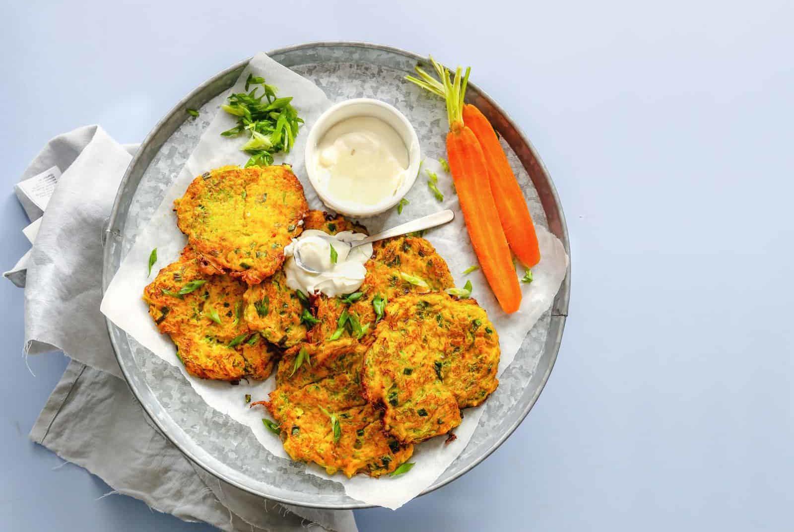 Gemüsepuffer mit Joghurt-Dip mit dem Thermomix® - Foto: shutterstock