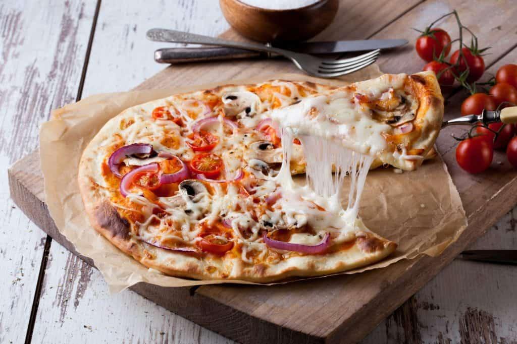 Pizzateig mit dem Thermomix® –Foto: Kelvin Theseira / unsplash