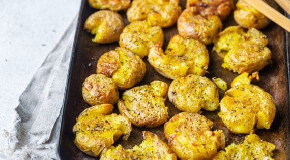Smashed Potatoes mit dem Thermomix® – Foto: gettyimages / Roxiller