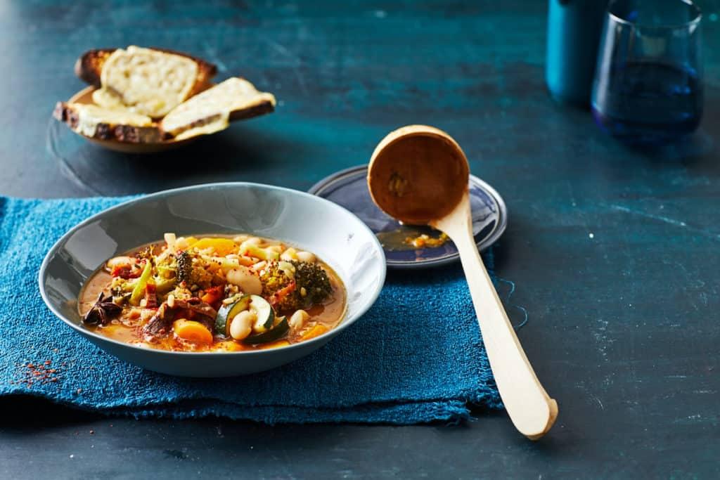 Veganer Gemüse-Reis-Pot aus dem mein ZauberTopf-Club – Foto: Jorma Gottwald