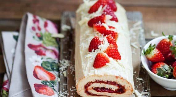 Erdbeer-Biskuitrolle mit dem Thermomix® - Foto: Ira Leoni