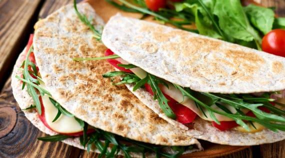 Tortilla-Sandwich Tomate-Mozzarella mit dem Thermomix® - Foto: gettyimages / Ekaterina Fedulyeva