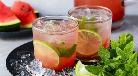 Wassermelonen-Limonade aus dem Thermomix® - StockFood / Schall, Ewgenija