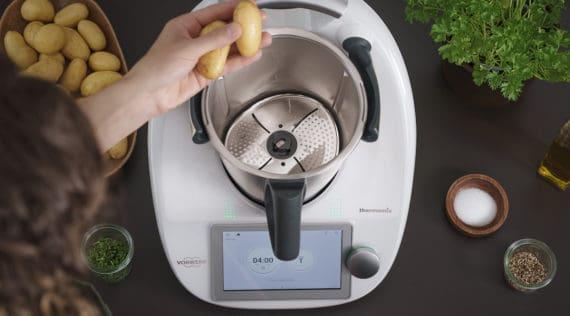 Kartoffeln schälen im Thermomix® mit dem Peeler – Foto: Vorwerk
